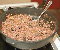 Мясо, тушеное с перловой крупой