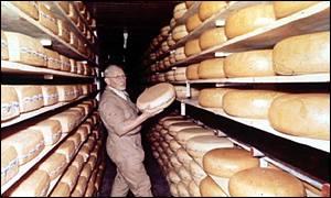 На складе сыров