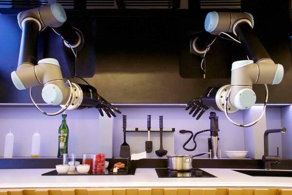 Британская компания выпустила первую в мире кухню-робота