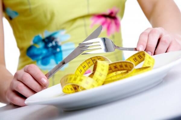 Диетолог призвала россиян отказаться от предновогодних диет