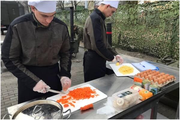 На Балтфлоте состязаются лучшие военные повара и хлебопеки