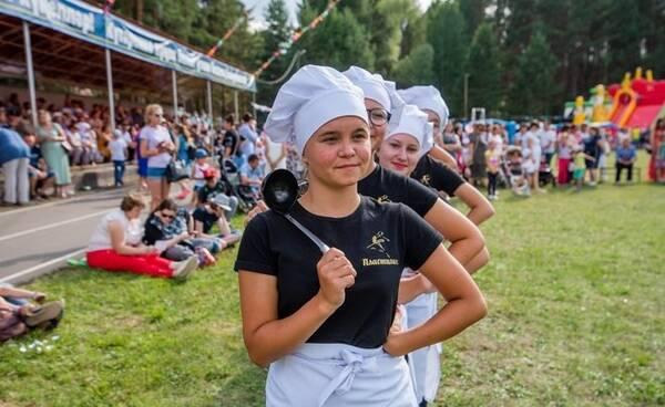 На фестивале «Скорлупино» в Пестрецах испекут гигантский торт и заварят чай в огромном самоваре