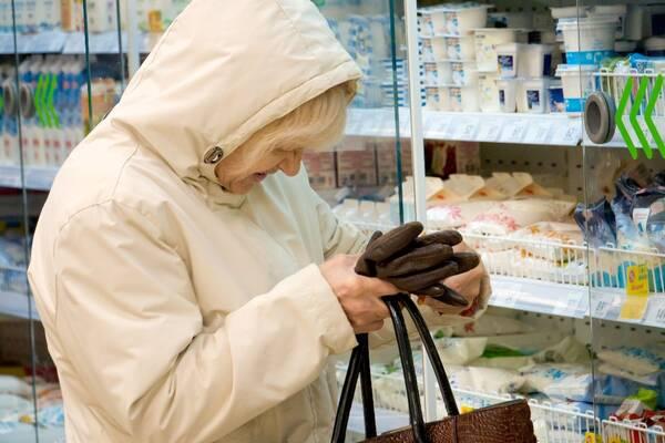 Жители России стали больше покупать самой вредной еды