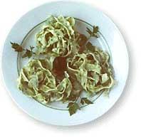 Макароны в тарелке