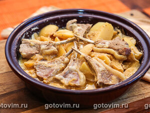 Тажин из баранины в йогурте с картофелем