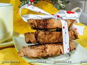 Рождественские бискотти с кусочками шоколада и изюмом