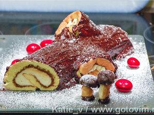 Торт «Бревно Йоля» (бисквитный рулет «Рождественское полено»)