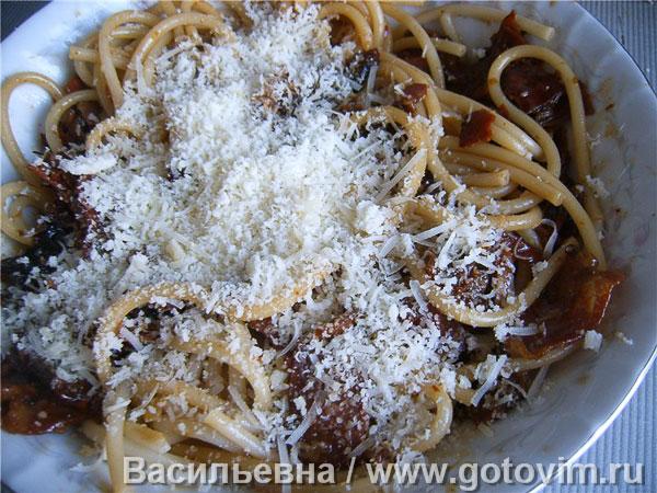 Макароны букатини с соусом аматричана (Bucatini all'amatriciana). Фотография рецепта