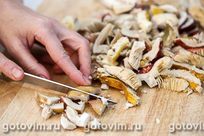 Бутерброды с грибной икрой из сыроежек, Шаг 02