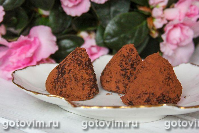 Натуральные конфеты из чечевицы с орехами и кунжутом. Фотография рецепта