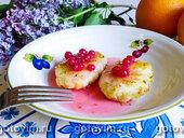 Десерт из манки с красной смородиной