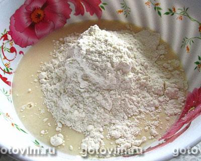 Дрожжевые оладьи с капустой и колбасой, Шаг 03