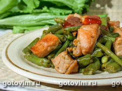 Рецепт салата с копчёной грудкой и ананасами слоями