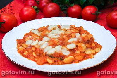 Фасоль в томатном соусе с яблоками. Фотография рецепта