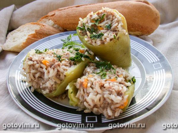 Перец, фаршированный мясом и рисом. Фотография рецепта