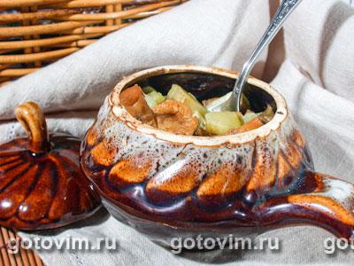 Мясо с грибами в горшочках. Фотография рецепта