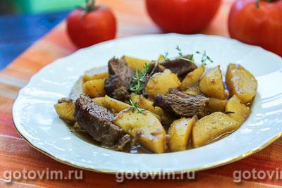 Тушеная картошка с мясом. Фотография рецепта