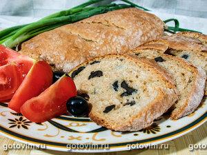 Хлеб с брынзой и маслинами