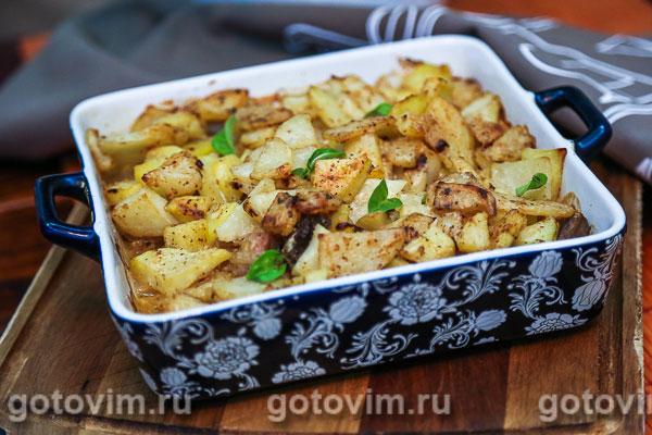 картофель с индейкой и грибами в духовке