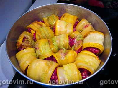 Рулетики из кабачков с фаршем в молочном соусе, Шаг 05