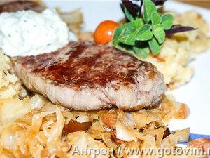 Капуста по-баварски с крестьянским картофельным пюре
