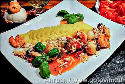 Фотография рецепта Рагу из каракатиц, креветок и трески в белом вине