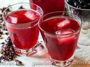 Холодный чай каркаде с черной смородиной