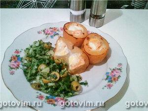 Картофель, запеченный с перепелиными яйцами и камамбером