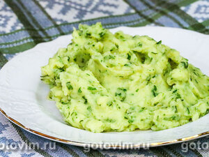 Картофельное пюре с зеленью и чесноком