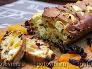 Кекс с сыром фета и сухофруктами