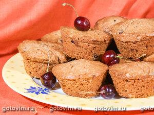 Шоколадные кексы с черешней