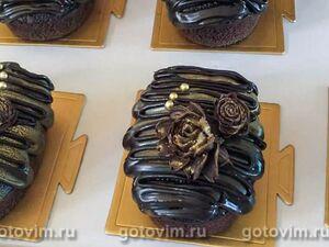 Шоколадный кекс с шоколадной глазурью