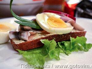 Бутерброд с килькой (Kiluvõileib)