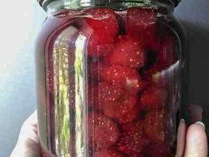 Клубничное варенье (с целыми ягодами)