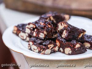 Шоколадно-ореховые конфеты с сухофруктами