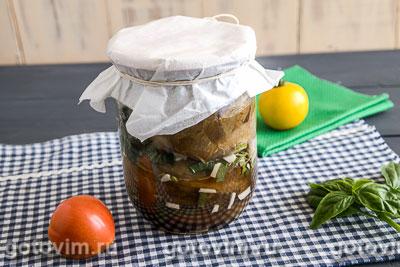 Консервированные печеные баклажаны с сельдереем. Фотография рецепта