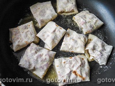 Конвертики из лаваша с колбасой и сыром, Шаг 05