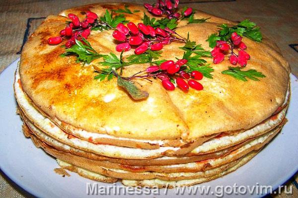 Креспу - закусочный торт из омлетов с начинками. Фотография рецепта