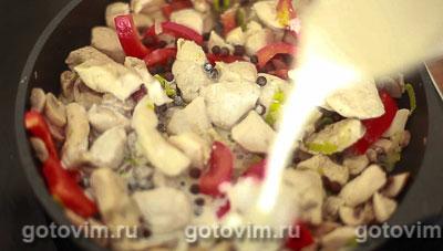Курица с грибами в сливочном соусе, Шаг 08
