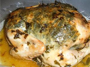 Курица, запеченная с зеленью
