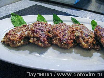 Котлеты из куриной печенки с булгуром и мятой. Фотография рецепта