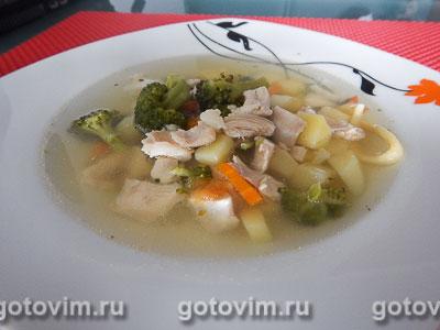 Куриный суп с брокколи и цветной капустой. Фотография рецепта