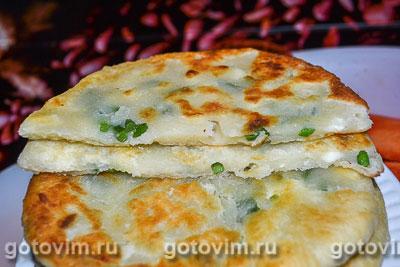 Фотография рецепта Лепешки с плавленым сыром и чесночными стрелками