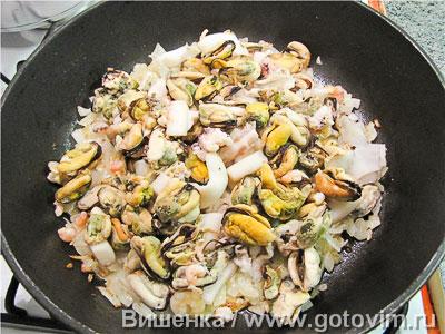 Макароны с морепродуктами в сливочном соусе, Шаг 03