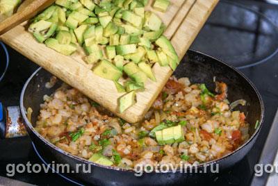 Фотографии рецепта Пенне с креветками и авокадо, Шаг 04