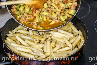 Фотографии рецепта Пенне с креветками и авокадо, Шаг 05