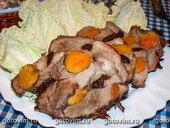 Мясо, запеченное с черносливом и курагой