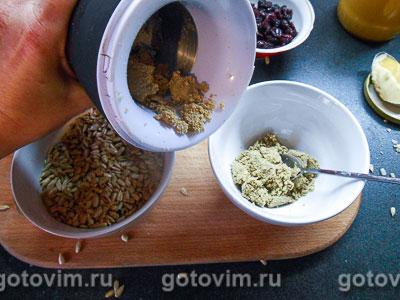 Домашняя халва с медом и клюквой, Шаг 02