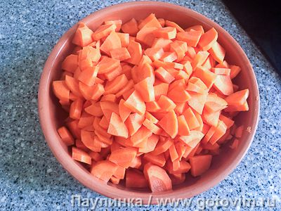 Тушеная морковь со сметаной и оливками, Шаг 01