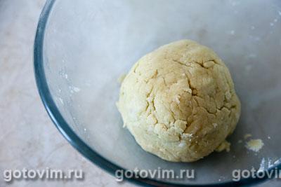 Мясной рулет с яйцом в тесте, Шаг 02